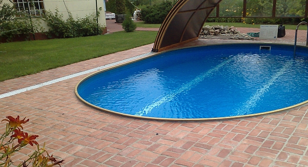 Paving for swimming pools