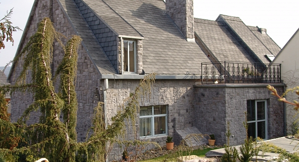 Stone veneer on family house
